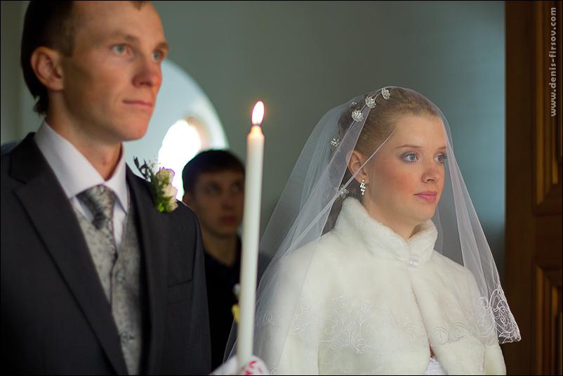 молодожены перед венчанием